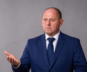 Стоян-Петров-протегнатаръка